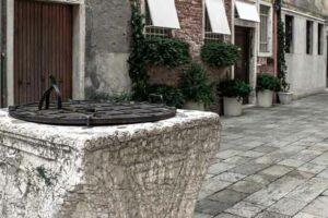 Alter Brunnen in Venedig